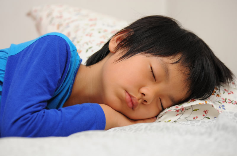 sleeping-asian-child-800.jpg