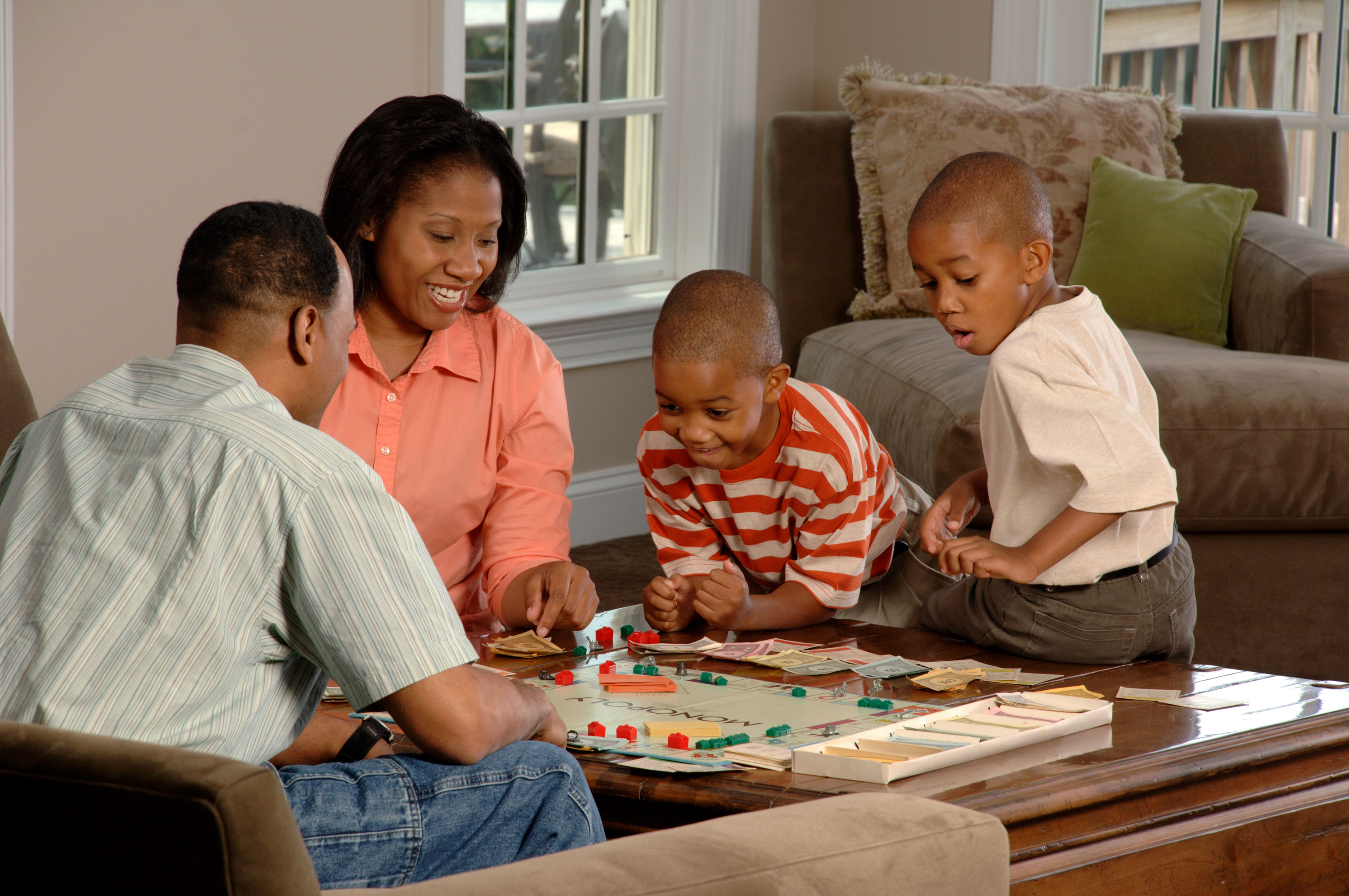 Family_playing_board_game.jpg