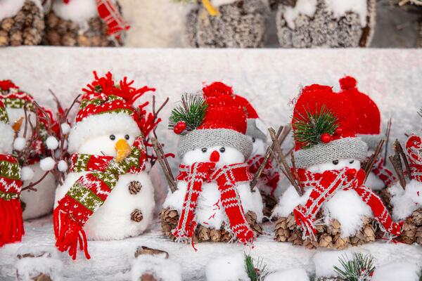 Ten Inexpensive STEAM Holiday Fun Ideas for Families - Snowman Craft