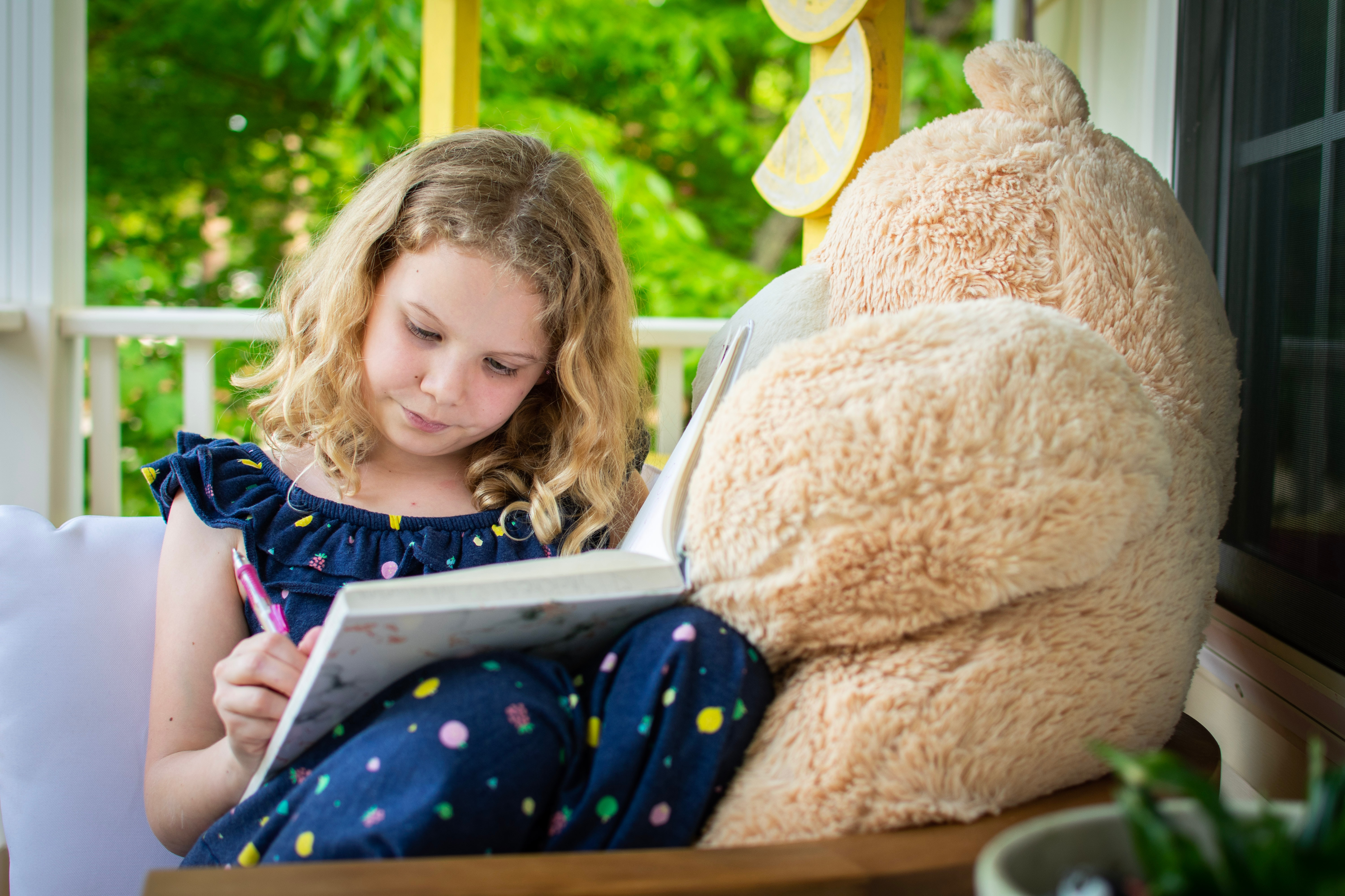 Help Your Children Develop Creative Thinking and Storytelling Skills with these 6 Tips